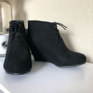 Bella Marie Black Lace-Up Wedge Booties